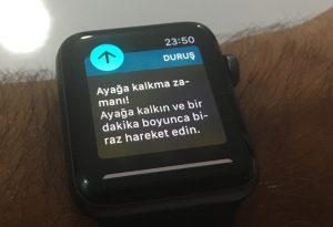 Apple Watch tarafından gönderilen bir uyarı. Çok oturduğunuzda sizi ayağa kalkmak için uyarıyor.